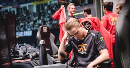 Royal Never Give Up izbacio Fnatic s World Championshipa