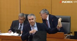 VIDEO Glasnović u sabor donio balerinke, štikle i tange