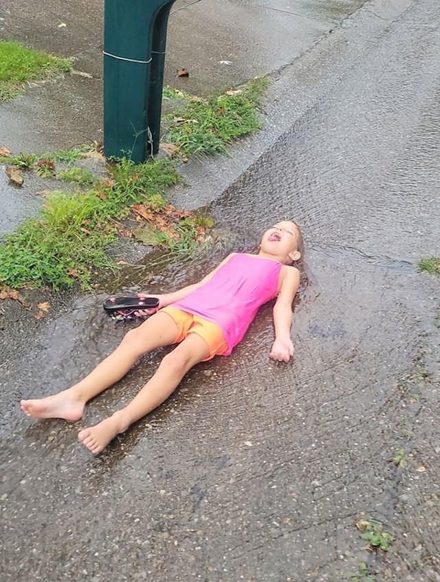 """""""Čekala je kišu danima"""""""