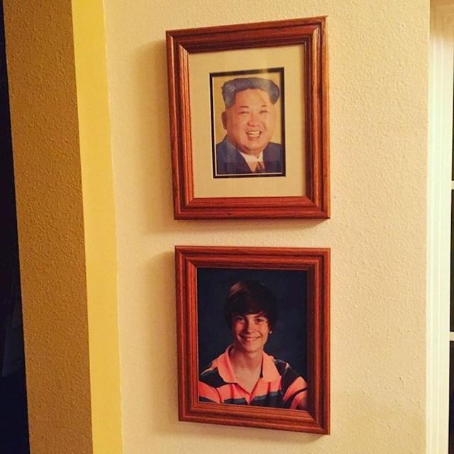 15. Zamijenio sam sliku sestre sa slikom Kim Jong Una i već treći tjedan nitko ne primjećuje