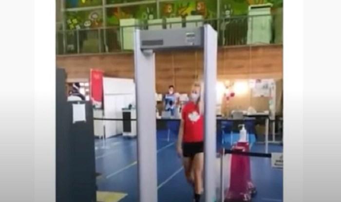 Sportašici se aktivirao alarm detektora metala na aerodromu, ali razlog je sve oduševio!