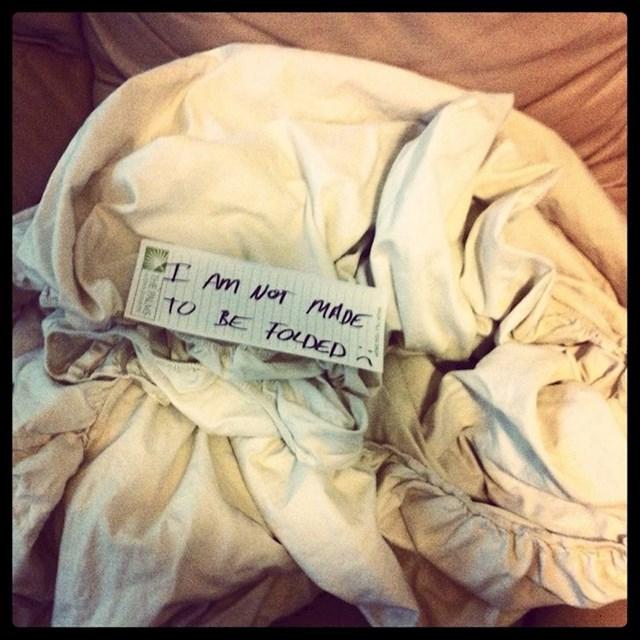 Kada je njegov red za slaganje posteljine...