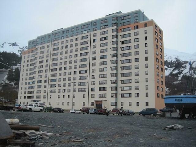 Zgrada na Aljasci u kojoj žive svi mještani jednog naselja
