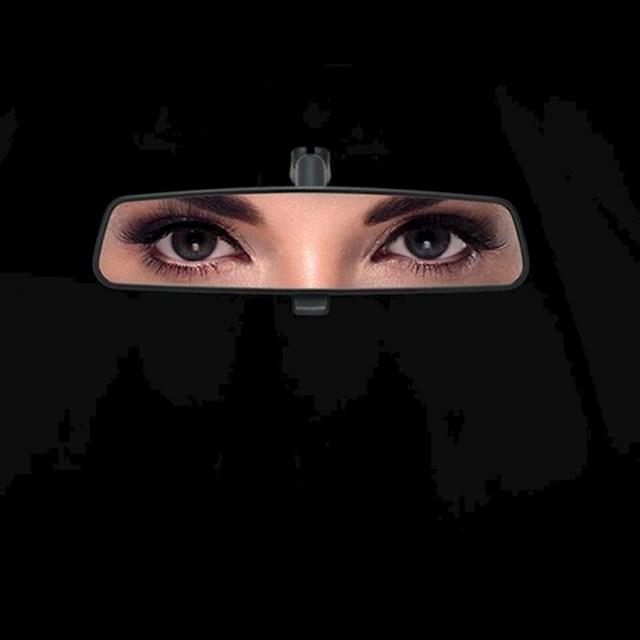 5. Reklamna kampanja Forda u Saudijskoj Arabiji nakon što je ženama dopušteno polaganje vozačkog ispita