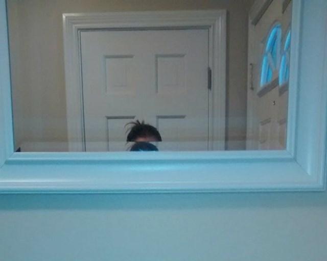 """""""Zamolila sam muža da postavi ogledalo. Zaboravio je da sam dosta niža od njega..."""""""