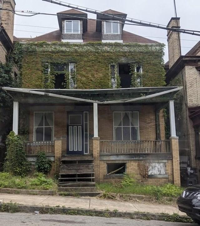 10. Zub vremena je načeo i ovu kuću negdje u Philadelphiji