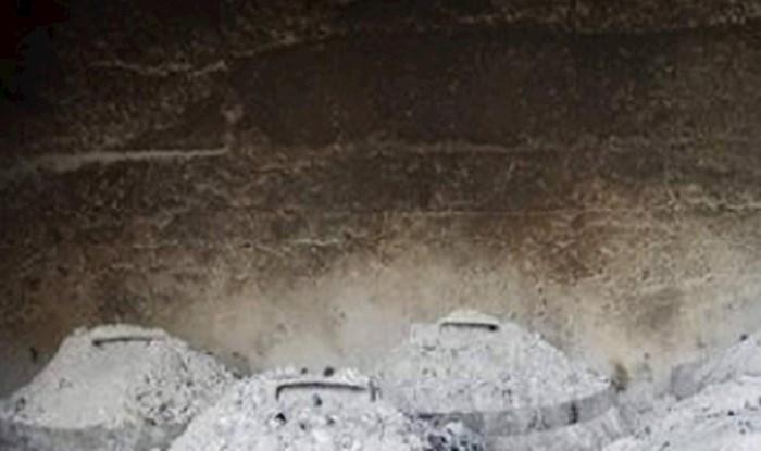 Jeste li znali da i Dalmacija ima svoje piramide? Ekipa na Fejsu umire od smijeha na ovu fotku!