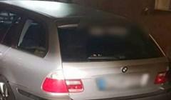 Urnebesnim natpisom na autu nije ostavio prostora zlim jezicima; nema zabune čije je auto!