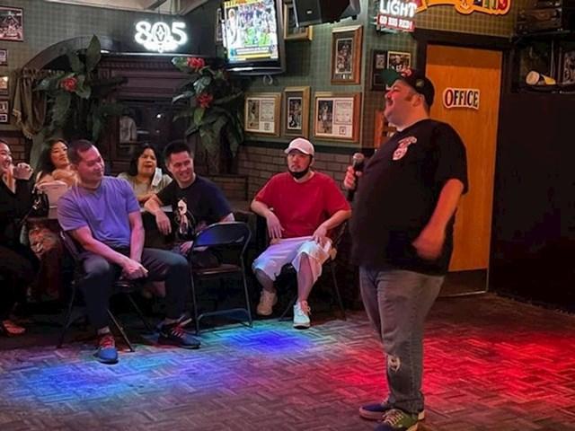 """""""Večeras sam prvi put u životu plaćen za ono što najviše volim raditi- nastupao sam kao stand up komičar"""""""