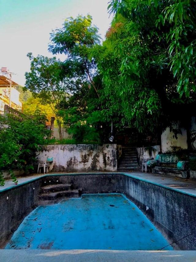 3. Stari, zapušteni bazen u kući starih bake i djeda, o kojem nema više tko brinuti