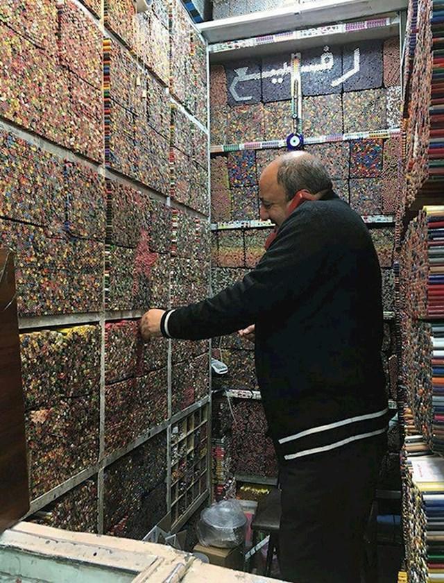 Prodavaonica olovki u Teheranu, Iran