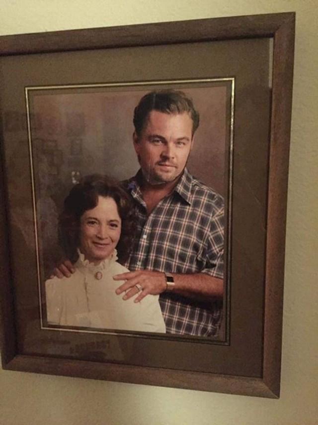 Stara verzija photoshopa- baka je umetnula glavu Leonarda DiCapria u fotografiju s mužem