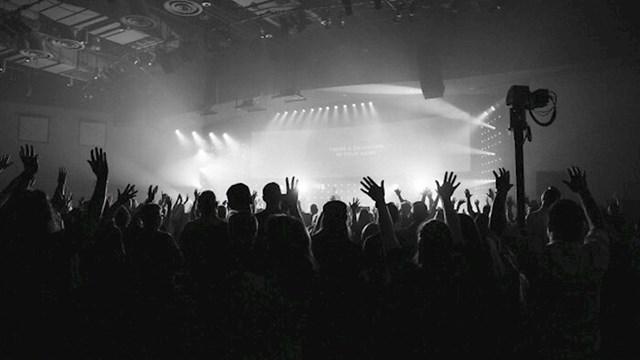 """""""Kada smo kupovali karte za koncert i netko je pitao hoćemo li sjedeća ili stajaća mjesta"""""""