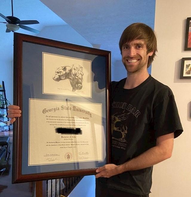 Prekinuo je školovanje u 2007.. Nedavno ga je nastavio, a ovih dana mu je poštom stigla diploma!