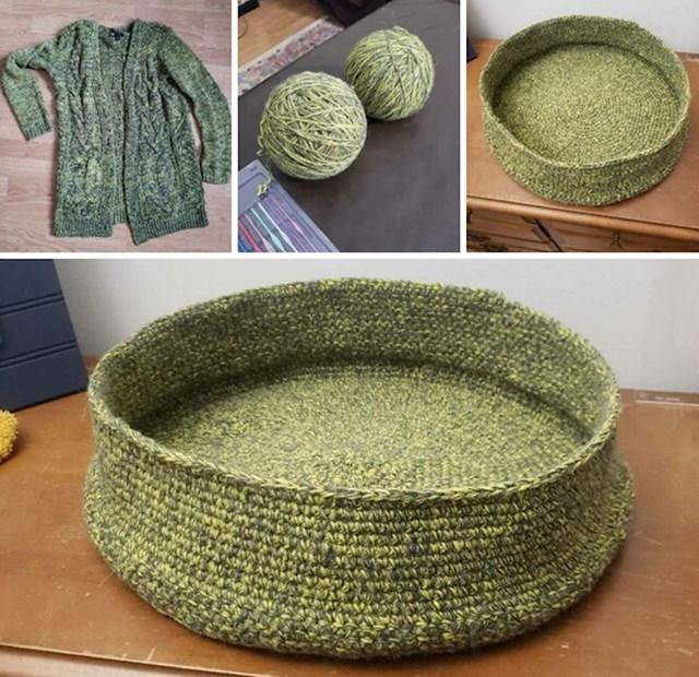 Krevetić za ljubimce od starog džempera