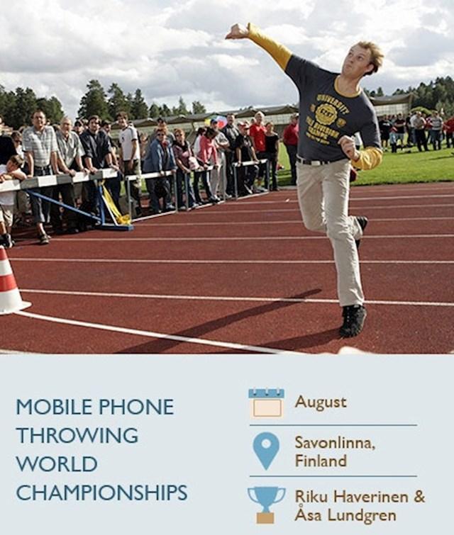 Bacanje mobitela u dalj