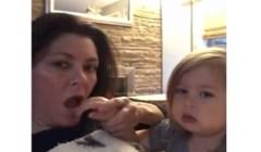 VIDEO Mama je nasamarila svoju bebu, morate vidjeti njenu reakciju!