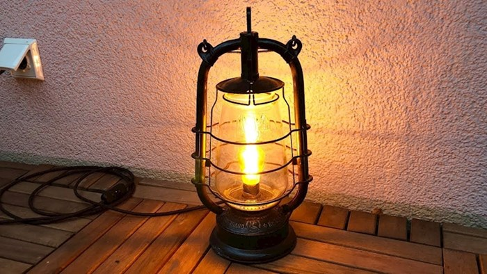 Napravi LED lampu od stare petrolejke