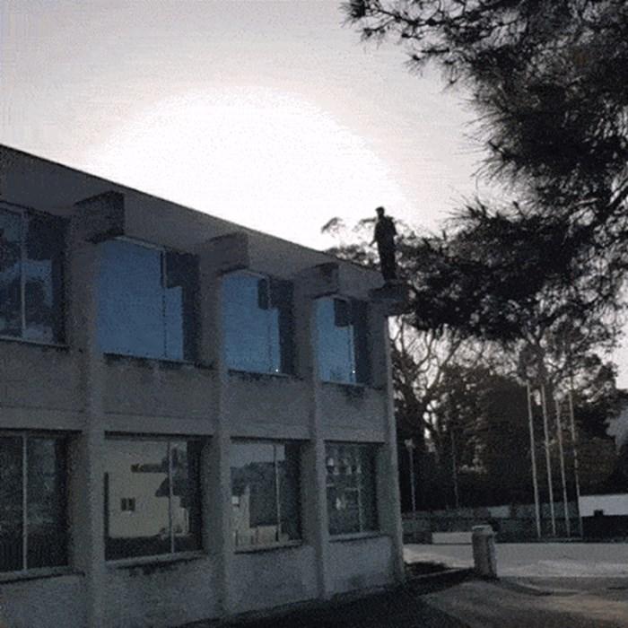 Korak do smrti: Parkour majstor snimio je vratolomiju nakon koje je mogao završiti u bolnici ili grobu