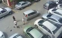 Žena blokirala prolaz, ostali joj uzvratili: Nakon ovog videa ćete dobro razmisliti kako parkirate