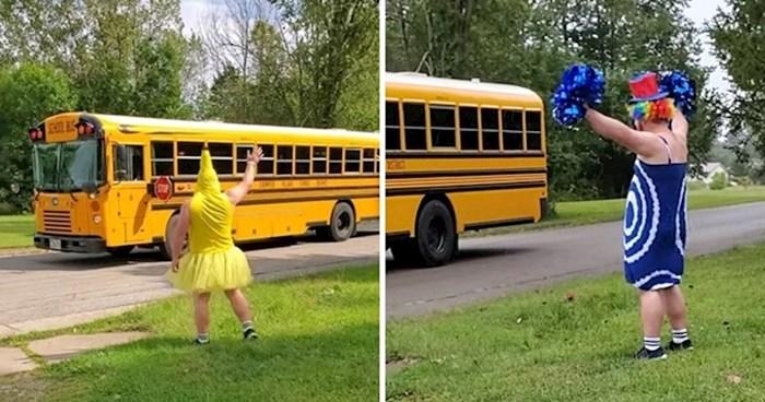 Odrasli muškarac svakog ponedjeljka maše djeci u školskom autobusu, postoji razlog zbog kojeg mu se smiju