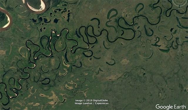 Vrlo vijugava rijeka. Will objašnjava da od ovakvih rijeka često nastaju jezera.