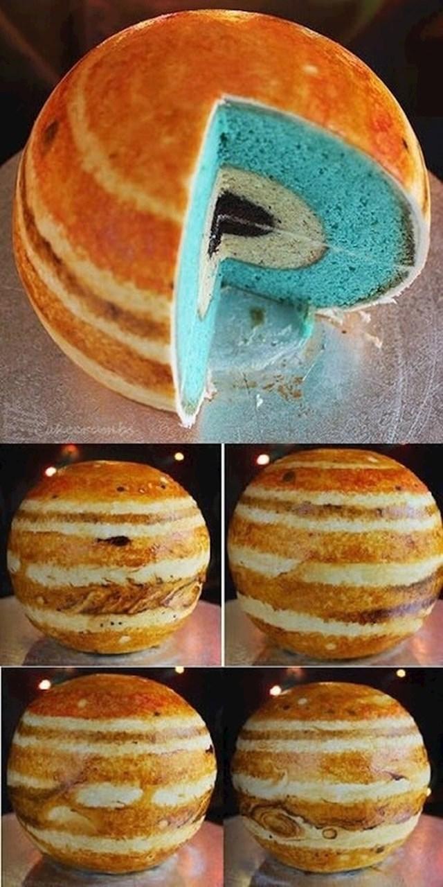 Kolač koji izgleda kao Jupiter