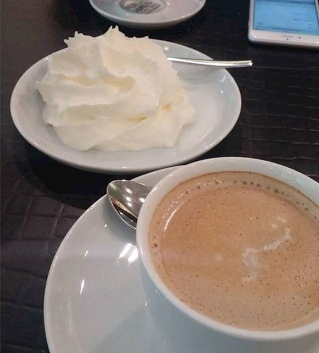 Slikala je što je dobila kad je u Njemačkoj naručila kavu sa šlagom.