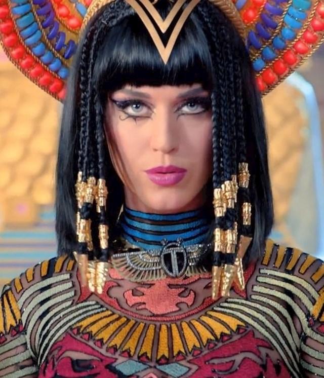 "Katy Perry — ""Dark Horse"" (glazbeni spot, 2013)"