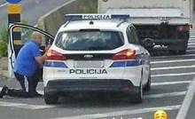Policija je zaustavila vozača kamiona, a natpis na fotki nasmijao je društvene mreže