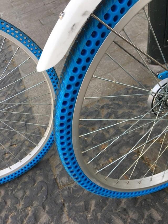 Bicikl s gumama koje ne treba pumpati