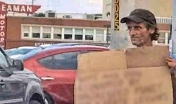 Beskućnik je svojim natpisom nasmijao prolaznika, pogledajte za što skuplja novac