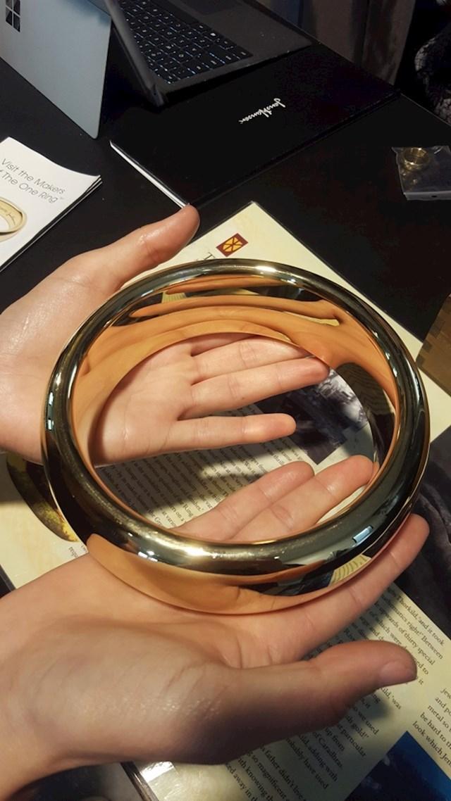"""Ovaj je prsten korišten u snimanju """"Gospodara prstenova""""."""