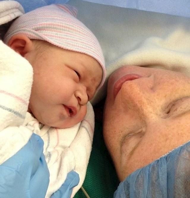"""""""Naša kćerkica je rođena 10.11.2012. u 13:14!"""""""