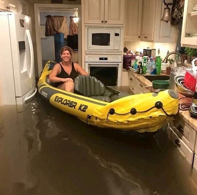 I tijekom poplave je ostala pozitivna.