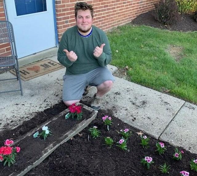"""""""Svoj 25. rođendan sam proslavio u dvorištu, sadio sam cvijeće."""""""