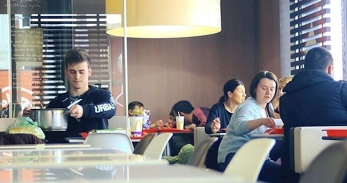 Bosanac je u McDonald'su izvadio lonac i počeo jesti grah, evo kako su ostali reagirali