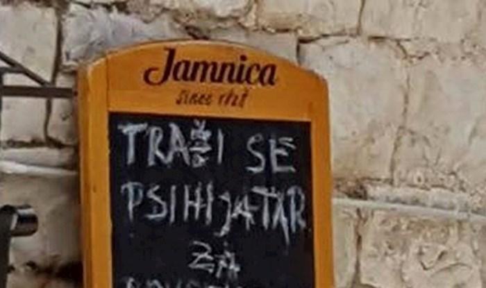 Konobaru je pukao film, evo što je napisao na tabli ispred ulaza u restoran