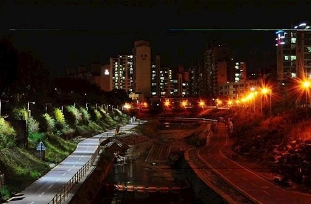 Nova LED rasvjeta i stara ulična rasvjeta