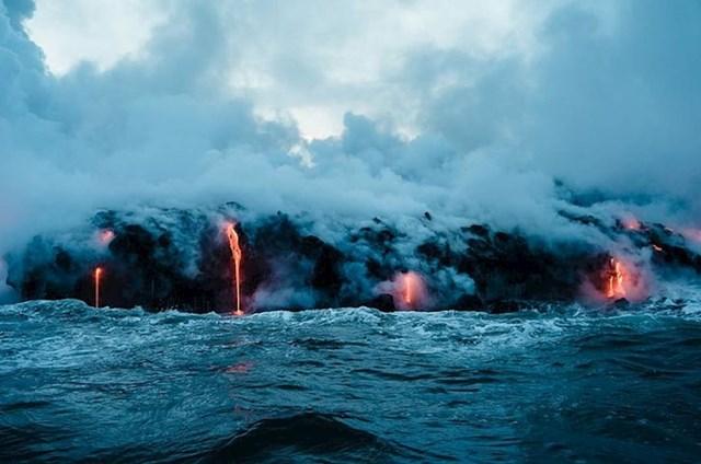 Vruća lava i hladna voda nisu rijeka kombinacija u prirodi...