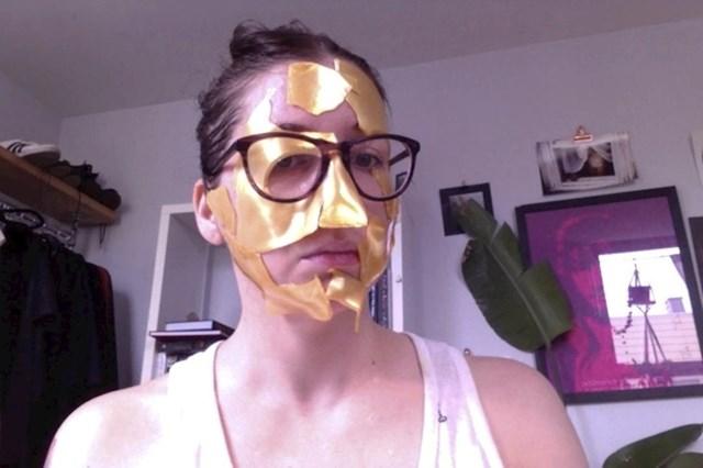 Ova maska je koštala 130 dolara.