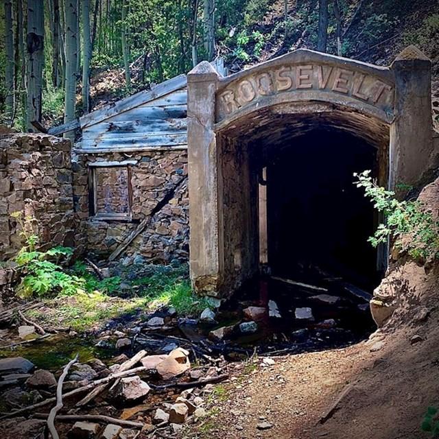 Ovaj rudnik zlata u američkoj saveznoj državi Kolorado napušten je 1919. godine.