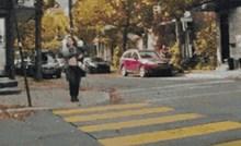 Na ovom pješačkom prijelazu vozači obavezno moraju stati, pogledajte kako funkcionira