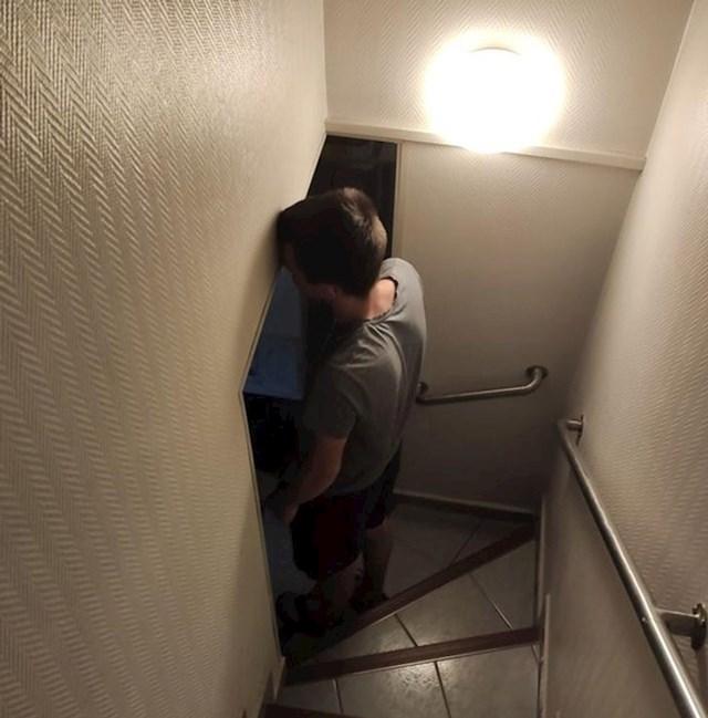 Ulaz u podrum nije baš najbolje isplaniran.
