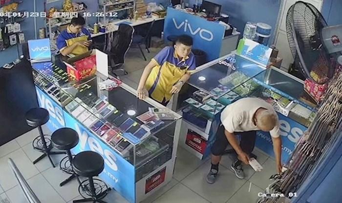 Stariji muškarac došao je kupiti puno maski za mobitel, no onda je totalno zbunio radnike