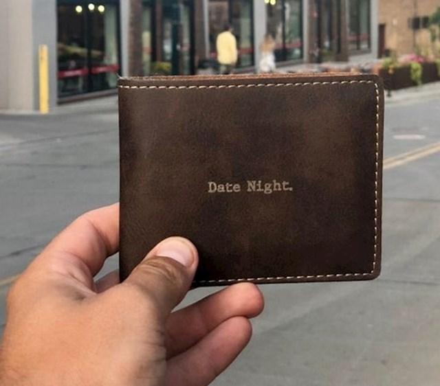 Kao vjenčani poklon dobio je novčanik pun poklon kartica i kupona za romantične večere.