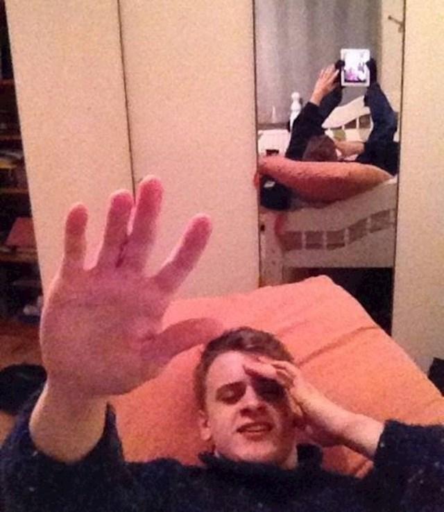 """""""Mrzim kad me cura slika dok ležim..."""""""