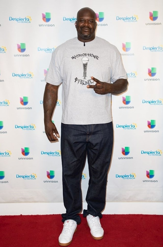 Shaquille O'Neal - 216 cm