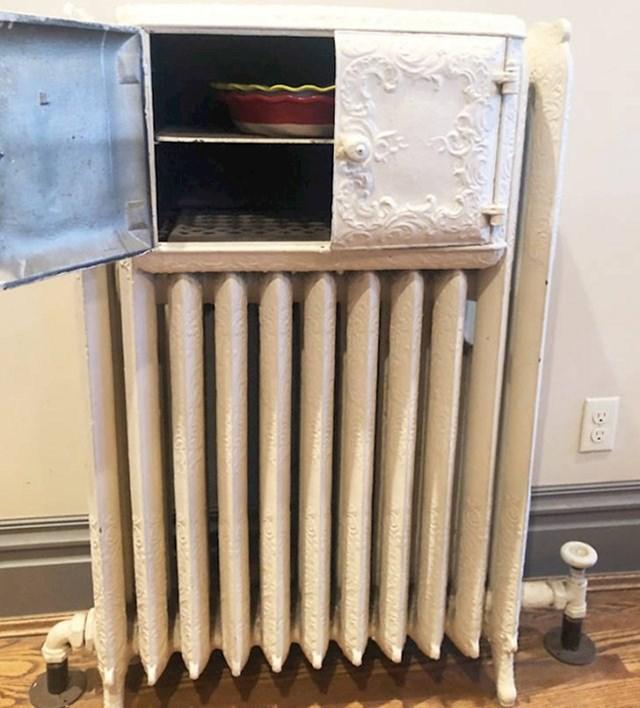 """Ovaj stari radijator ima """"peć"""" za podgrijavanje hrane. Zašto se to više ne koristi?"""