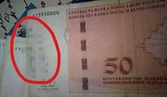 Stariji gospodin ne shvaća kako novac funkcionira, nešto je napisao na novčanicu